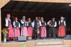 Girkalių-kultūros-centro-folkloriniu-ansamblis
