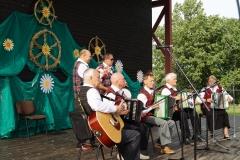 Norgėlų-armonikierių-ansamblis-Katauskių-bendruomenės-šventėje-Susiburkim-po-tėviškės-dangum
