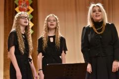 Paliepių-merginų-vokalinis-duetas-2